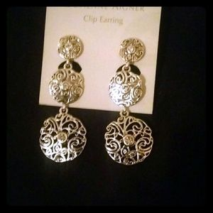 Clip on earings